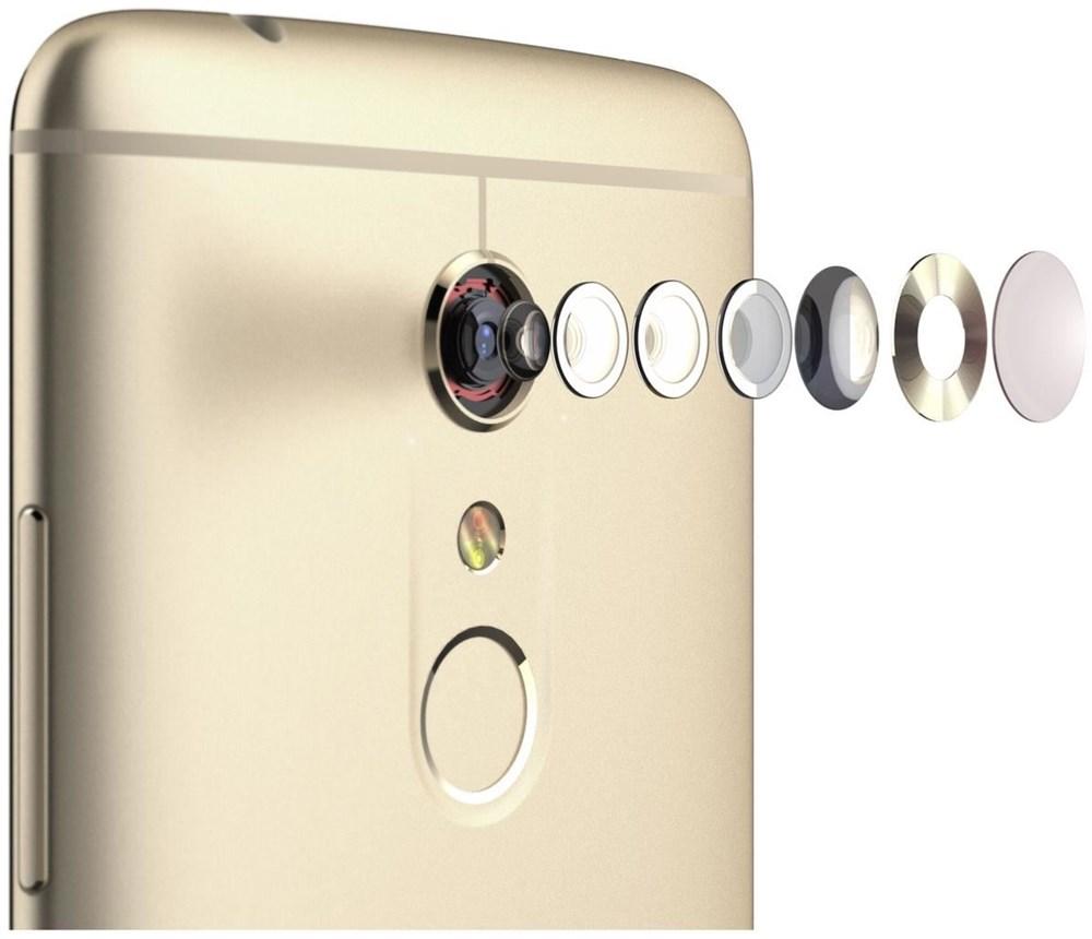ZTE Axon 7 - Android Smartphone Dual-SIM 4G HSPA+ 64 GB microSDXC slot CDMA / GSM 5.5 2560 x 1440 Pixel (538 ppi (Pixel pro )) AMOLED 20 MPix (8 MP front camera) Ion-Gold (126661101003) jetztbilligerkaufen
